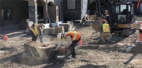 Photo - boulder cutting