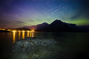 Aurora at Lake Minnewanka